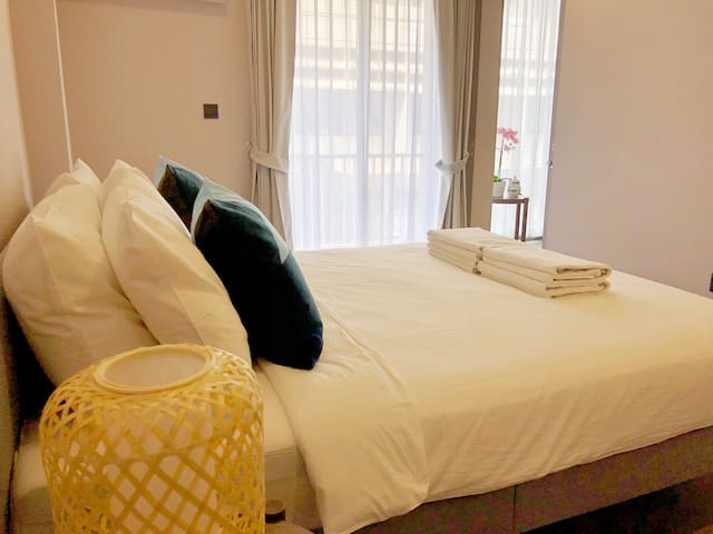 """""""Outstanding hospitality. Aor provided free transport to her place which I found very helpful and so check in was a breeze. Place was very clean and comfortable."""" ★★★★★ - Our guest's review"""