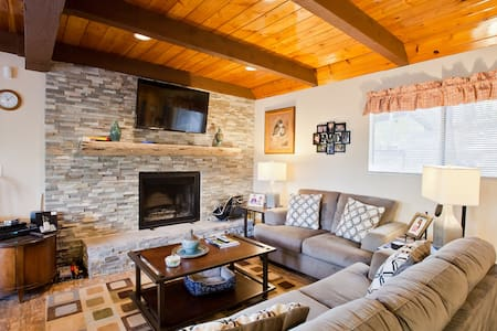 Fireside Lodge - Walk to Village - Lake Arrowhead
