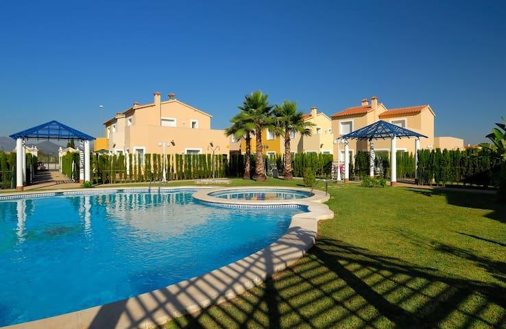 Chalet & Aire Acondicionado & Terraza & Golf - Oliva - Casa