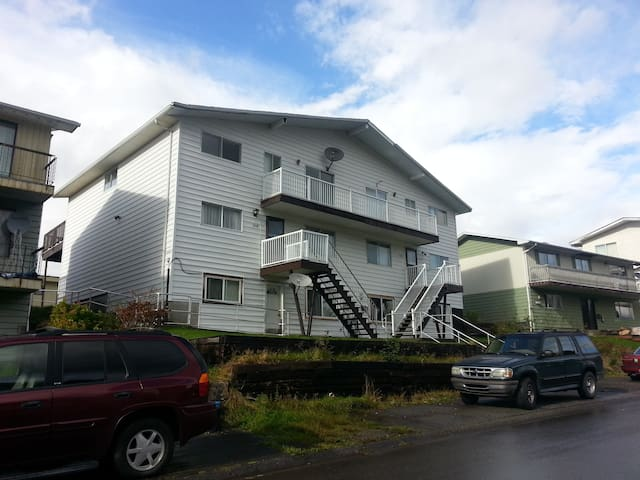 Omineca Crew House