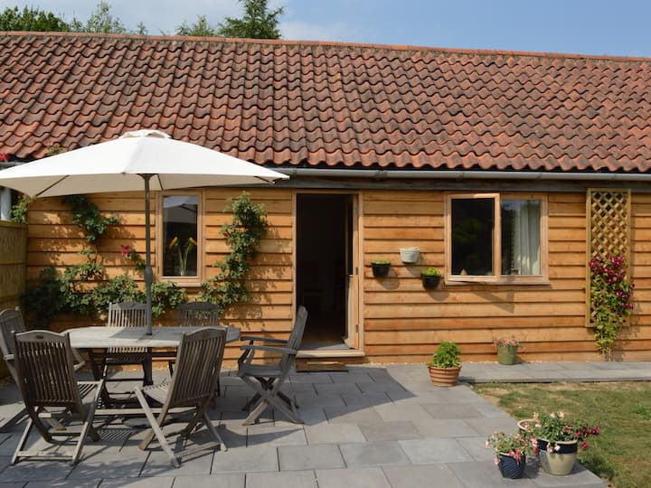 Spacious barn conversion-Hot Tub-Norfolk Broads