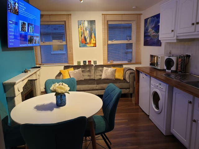 Modern City Centre Two bedroom Apartment