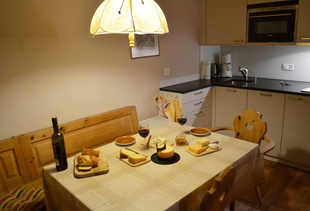 Essecke samt Küche