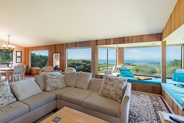 Iris Cottage -Ocean View w/ Secluded Deck