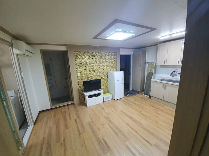 (방2개) 청주대 인근 & 맑은 공기와 조용한 그리고 넓고 쾌적한 풀옵션 투룸입니다