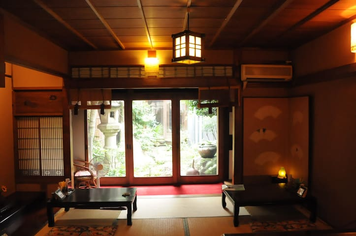 Pure Japanese-style Miyadaiku House near airport - Tokoname - House