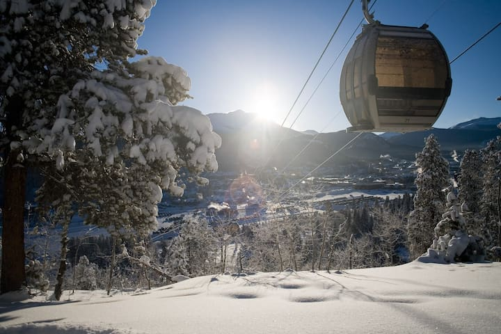 Enjoy world-class skiing and snowboarding in Breckenridge.