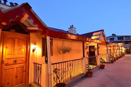 Himalayan Holiday -  Heritage Family Suite - Nainital - Hotel butique