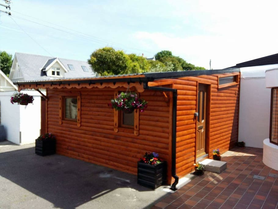 Log cabin heart of dalkey co dublin chalet in affitto a for Cabine in affitto nel parco invernale colorado