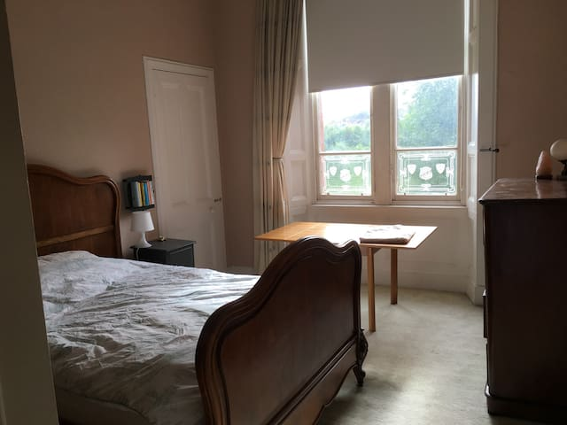 Double Bed in Spacious West End Apartment