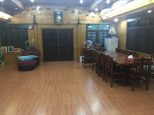 Full home theater& karaoke incl. - Tambon Krathum Lom - Dom