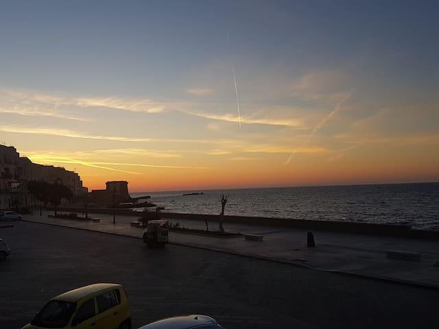 Il tramonto visto da casa