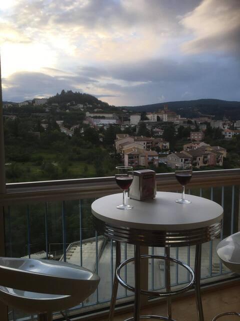 Privas: Appartement  100m2 avec vue panoramique