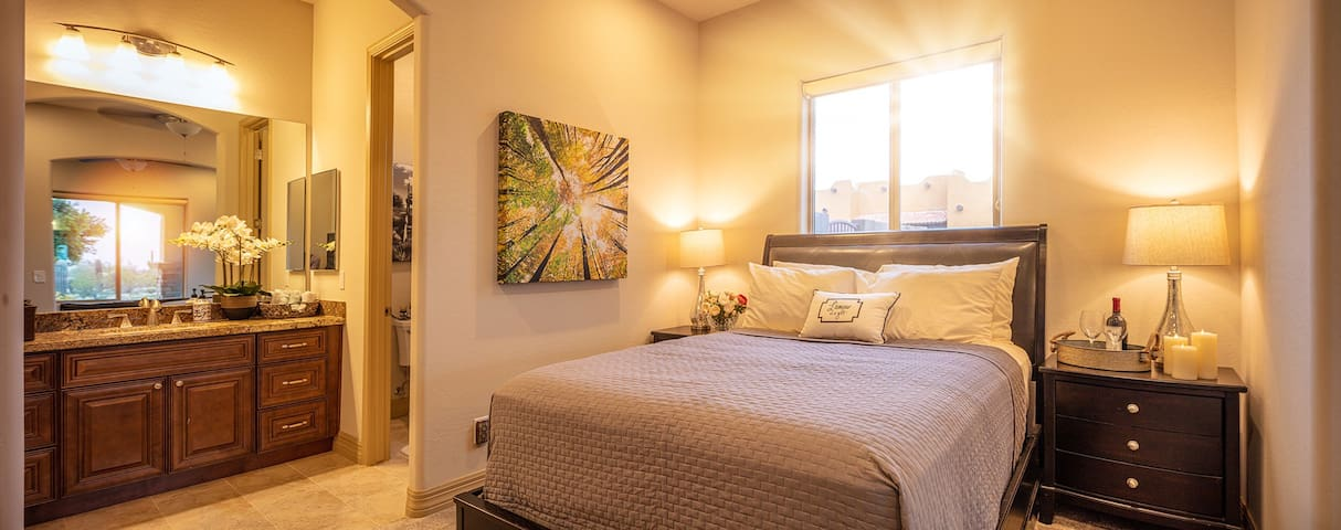 Superstition Mountain Suite w/ Private Entrance
