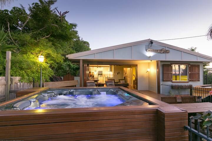 Beachside Spa Cottage - Urangan - Cabin