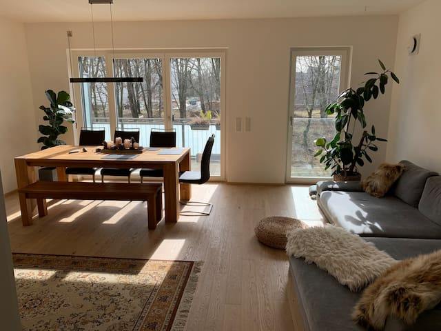 PREMIUM shared living room!