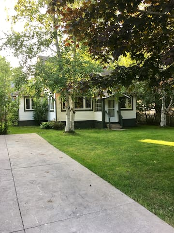 JonesHill Cottage