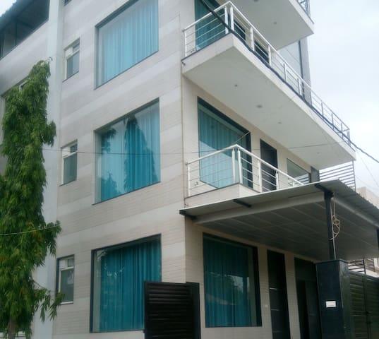 Elegant, Modern and New Serviced Apartment Jaipur