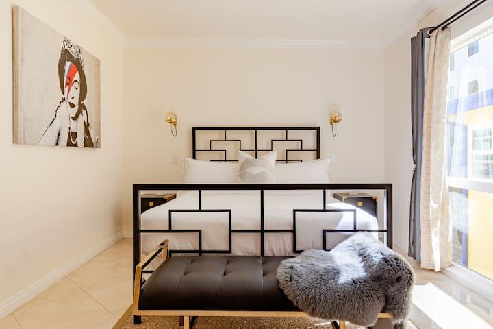 Queen Elizabeth size bed