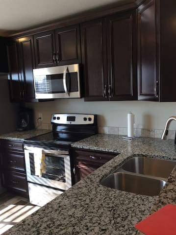 NEWLY REMODELED 2 Bedrooms, 2 Bathrooms APT #D