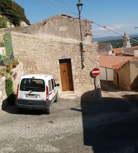 Sedini:nord Sardegna vicinanze mare - Sedini