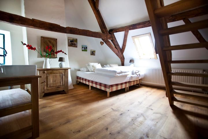 Historische kasteelboerderij - Lottum - Bed & Breakfast