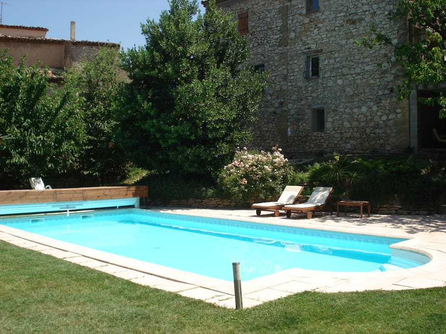Studio quip 2 personnes houses for rent in saint for Piscine st esteve