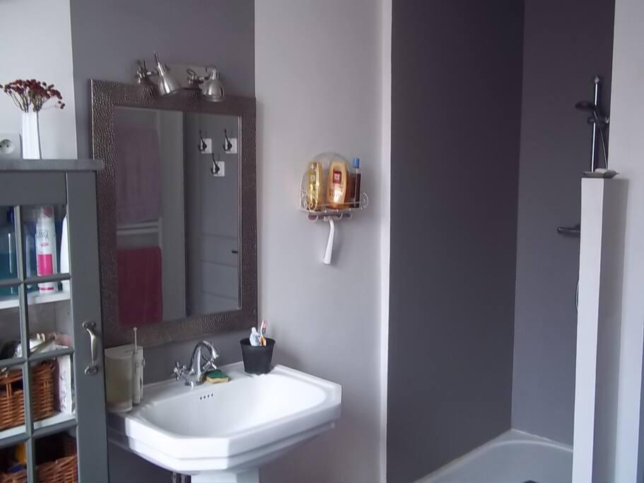 Chambre et petit dej proche centre chambres d 39 h tes for Chambre d hote la rochelle et environs