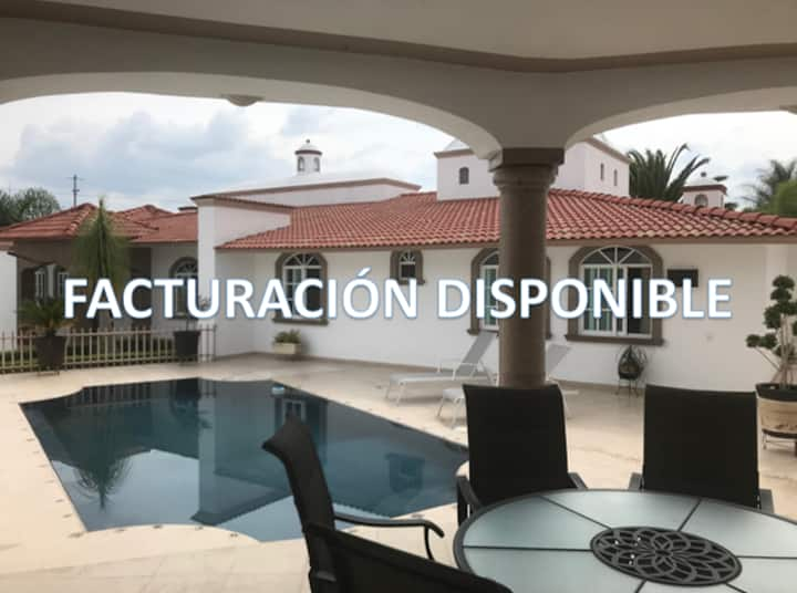 Juriquilla House & Pool. 1 -12 PAX