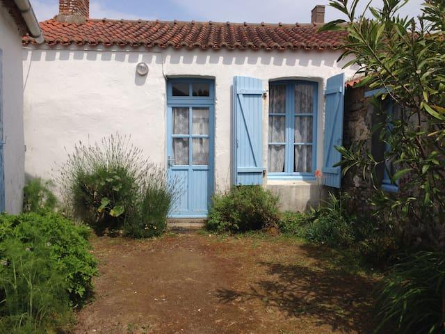 Maison typique  de Noirmoutier - Noirmoutier-en-l'Île - Hus