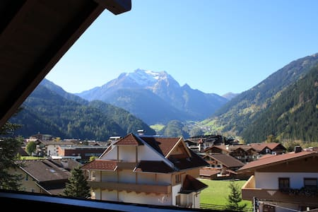 Luxury Penthouse Apartment in Center of Mayrhofen - Lakás