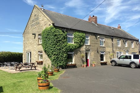 Country Inn - Awesome Food & Beer! - Shotley Bridge - Bed & Breakfast