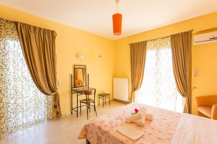 Villa Christine -Evia - ODYSSEOS 18-Akti Nireos - Hus