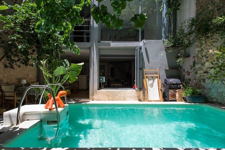 Modern Maisonette- Garden and Pool