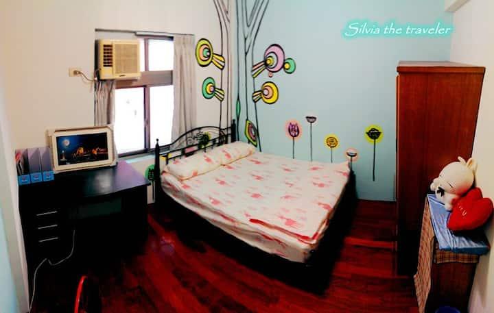 Cozy double room near Taipei MRT