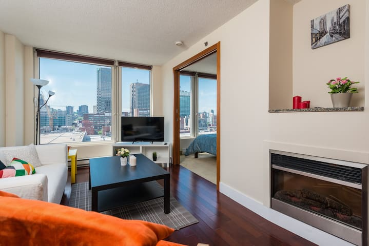 Spectacular LUXURY Apartment Downtown/Old Montreal