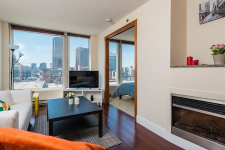 Spectacular LUXURY Apartment Downtown Montreal - Lakás