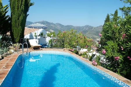 Andalucian Mountain Finca with Pool - Casa