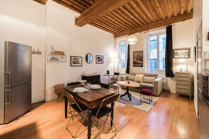 Le Trion - Authentic Lyon flat close to Vieux Lyon