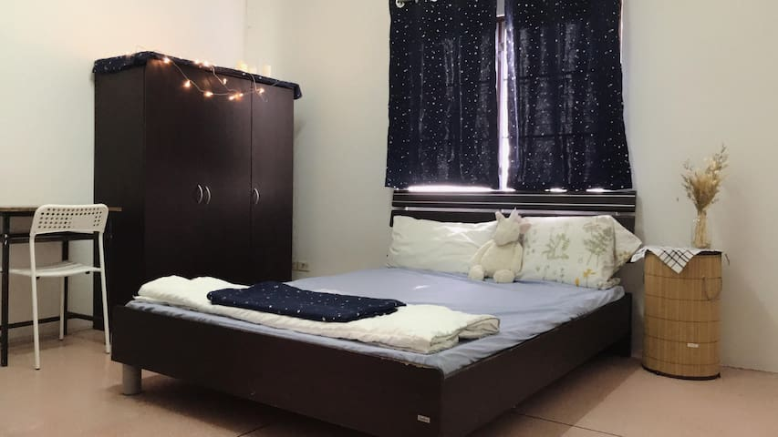 Private room (Fan) + Breakfast  near Mahidol Uni