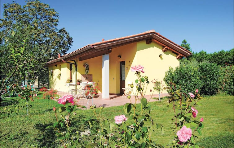 Holiday cottage with 2 bedrooms on 50 m² in Fornacette PI