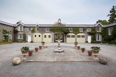 Klaus' - Gort - House