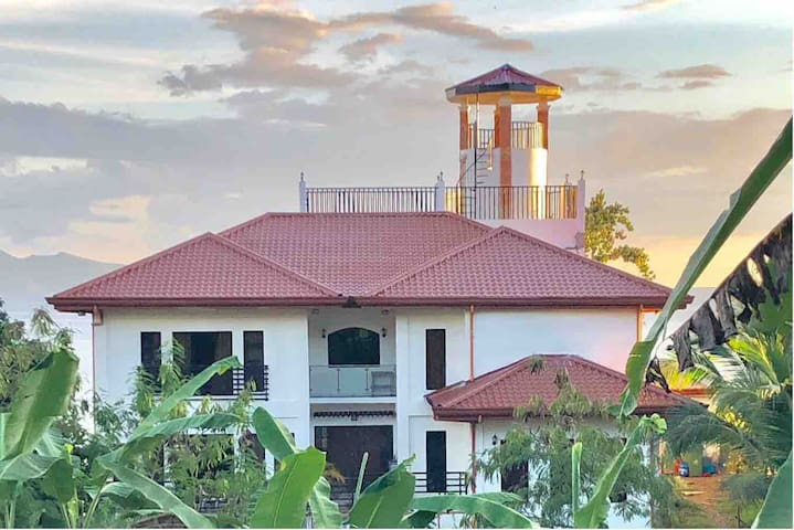 Calbayog City - Chateau de French Resort, Room B