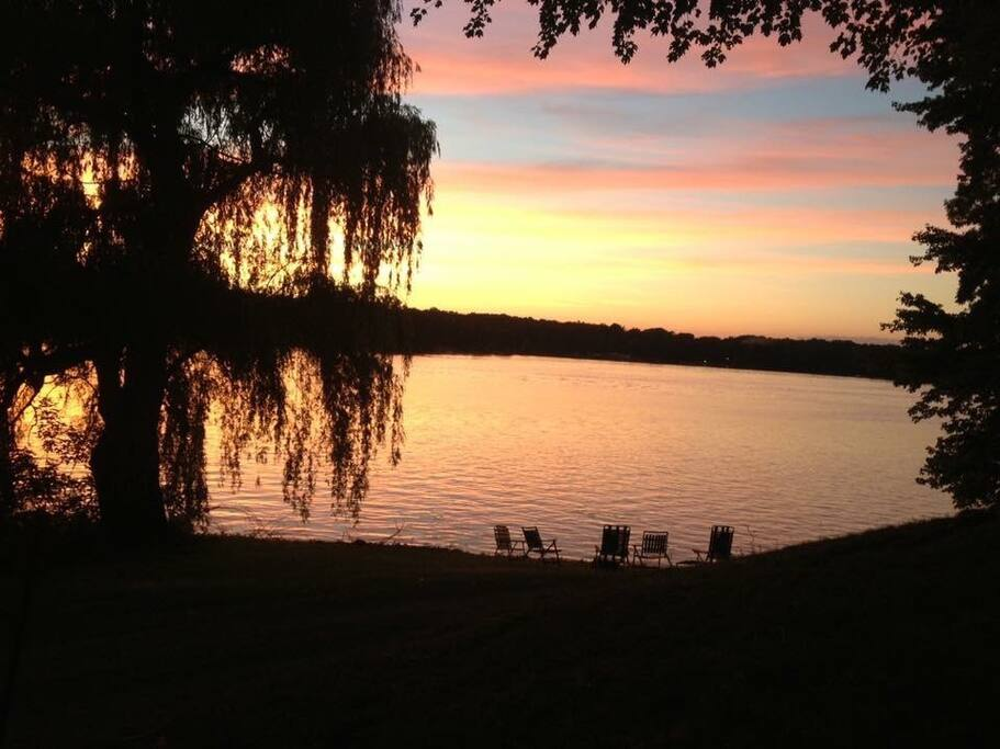 Gorgeous sunsets on the lake await you!