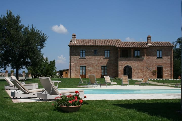 VILLA OVIDIO luxury villa for 14 - Marciano della Chiana - Willa