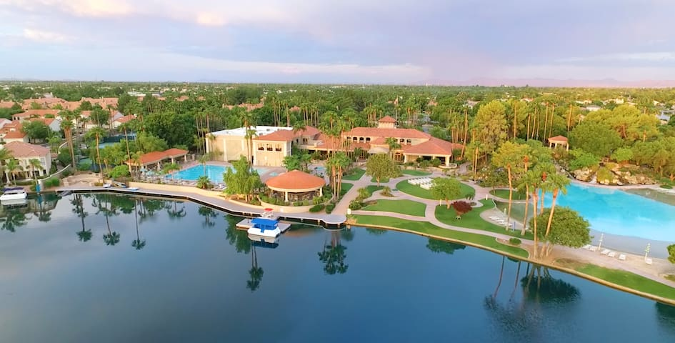 Val Vista Lakes Resort Home With Sand/Beach Pool