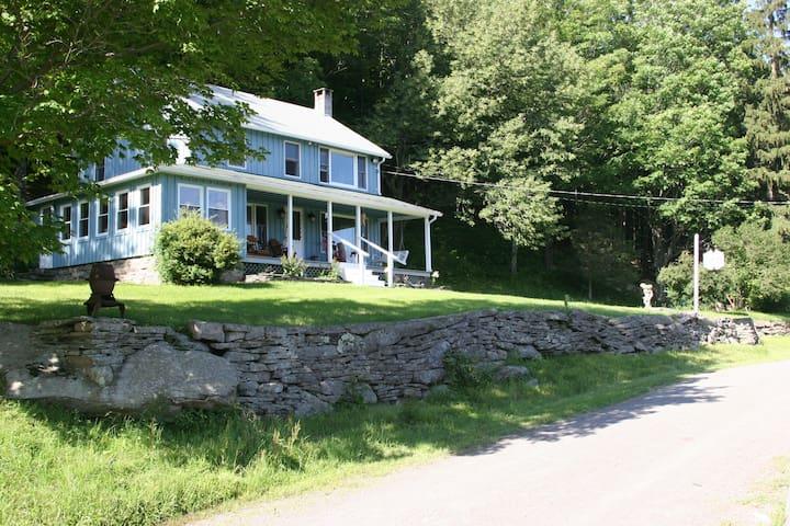 Secluded Catskill Mountain House Magical Paradise! - Sundown - Dům