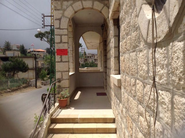 Charming, renovated century home! - Hammana - Casa