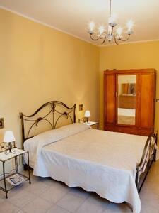 Double Room - Private Bathroom - Oristano