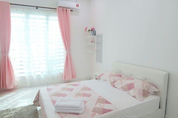 Nuhayra Place : Muslims Homestay & Guest House - Kepala Batas - Konukevi
